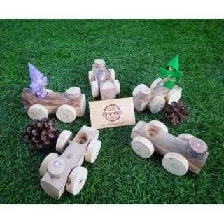 Ô tô làm từ thân gỗ tự nhiên