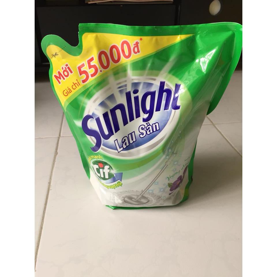Nước lau sàn Sunlight 2.6kg - hương Hoa Hạ