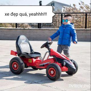 Xe điện thể thao F1 cho bé cực sang chảnh