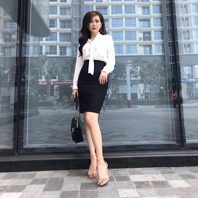Chân váy công sở ôm lỡ trê