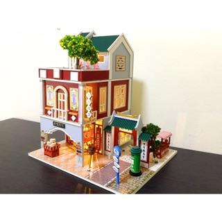 Mô hình nhà gỗ búp bê DIY ( đã ráp sẵn + mica che bụi)