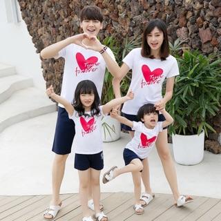 Áo thun trái tim gắn kết yêu thương thay lời nói thể hiện yêu thương vô tận ngại gì không cùng gia đình trãi nghiệm ❤️❤️