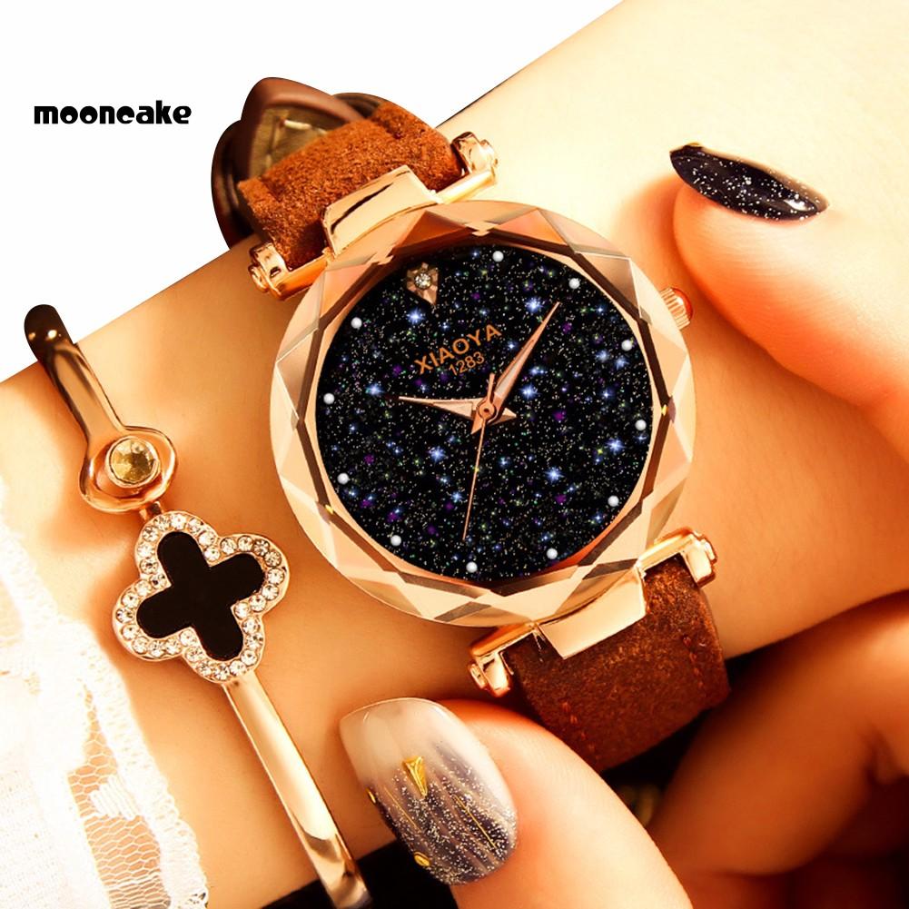 Đồng Hồ Đeo Tay Nữ, Mặt Tròn, Dây Giả Da, Họa Tiết Trời Sao