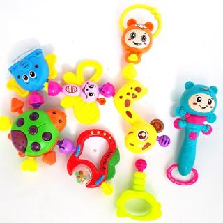Bộ đồ chơi xúc xắc 8 món cho trẻ