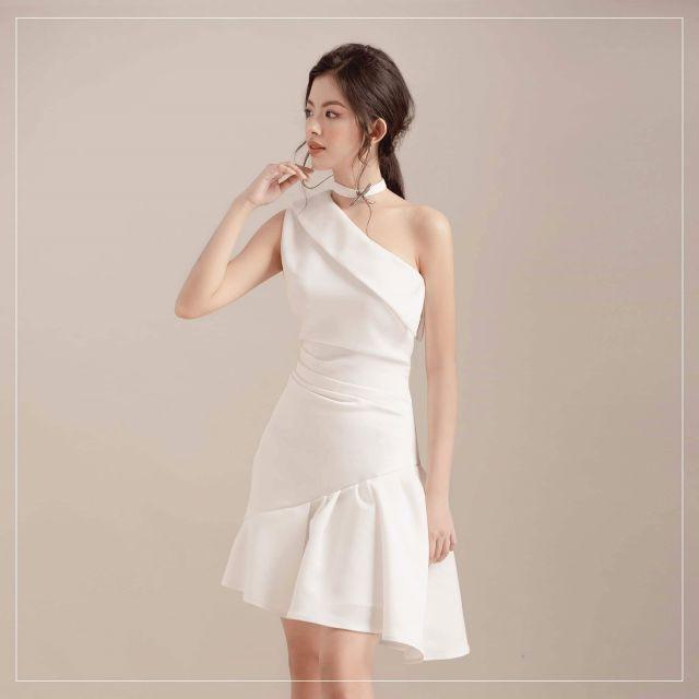 Đầm trắng lệch vai đi tiệc sang trọng quý phái