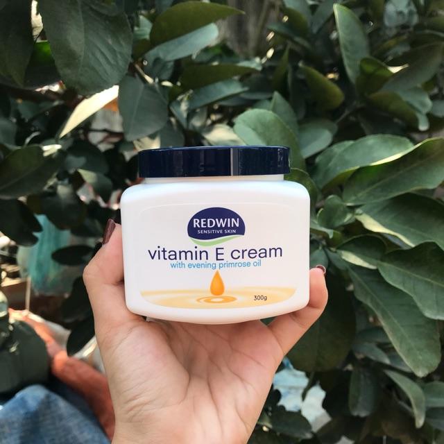 Kem dưỡng ẩm VITAMIN E CREAM nội địa Úc 300g