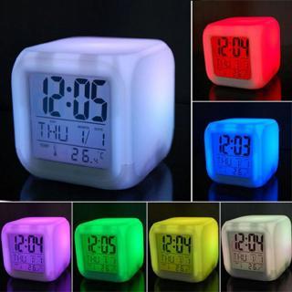 Đồng hồ LED kỹ thuật số Mini Square 7 màu Hiệu ứng ánh sáng đầy màu sắc