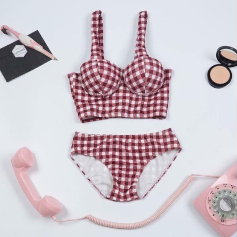 Bikini Hàn quốc cúp ngực kẻ caro - 3365413 , 984857964 , 322_984857964 , 350000 , Bikini-Han-quoc-cup-nguc-ke-caro-322_984857964 , shopee.vn , Bikini Hàn quốc cúp ngực kẻ caro