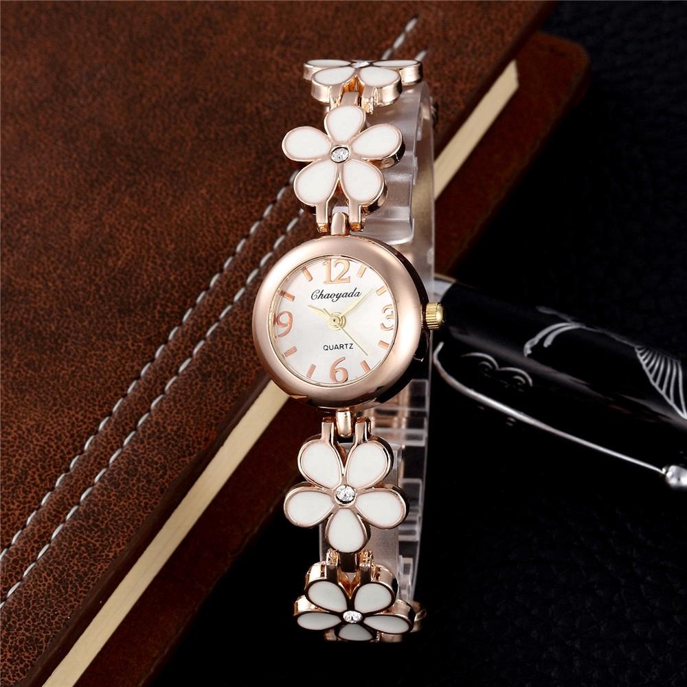 Đồng hồ kim gắn cánh hoa sáng tạo cho nữ