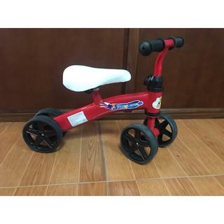 xe chòi chân, xe trẻ em, cho bé từ hai tuổi trở lên