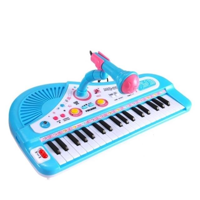 Đàn piano kèm micro hát