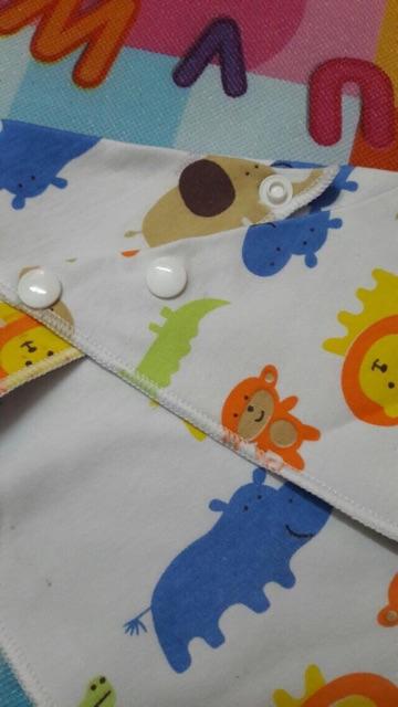 10 yếm cotton 2 lớp bấm cúc cho bé