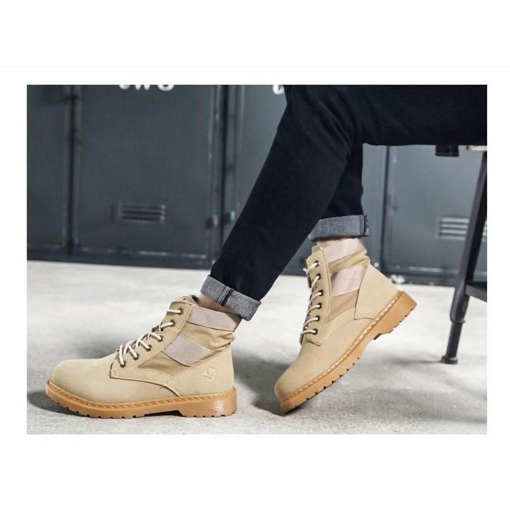Fashion wild รองเท้าหนังแท้มาร์ติน รองเท้าบูทบุรุษ แฟชั่นรองเท้าบูทอังกฤษ รองเท้าทะเลทรายกันน้ำ รองเท้าหนังแฟชั่นหนังแท้