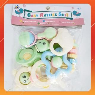 [KAS] Bộ đồ chơi xúc xắc Baby Rattles Suit 8 món Giảm giá