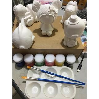Bộ 5 tượng cho bé tập tô kèm 6 lọ màu, 2 cây bút và khay đựng mực