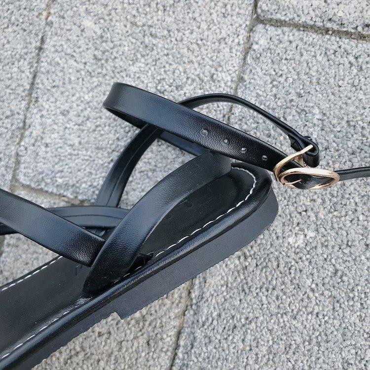 Giày Xăng Đan Đế Bằng Mũi Tròn Đính Nút Chéo Xinh Xắn