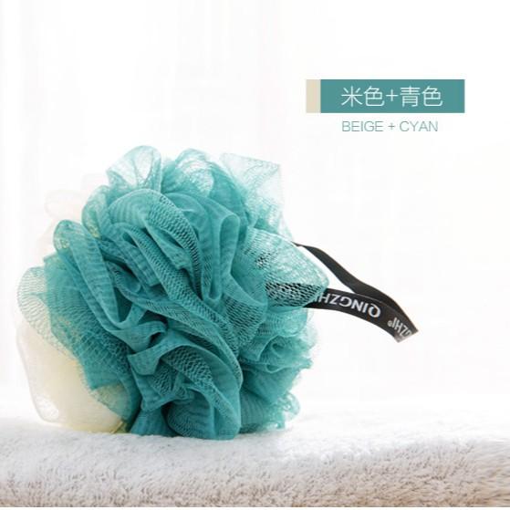 Bông tắm thiết kế 2 màu bằng vải lưới dễ sử dụng tiện lợi