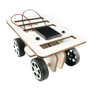 Đồ chơi xe đua mini gỗ sử dụng năng lượng mặt trời