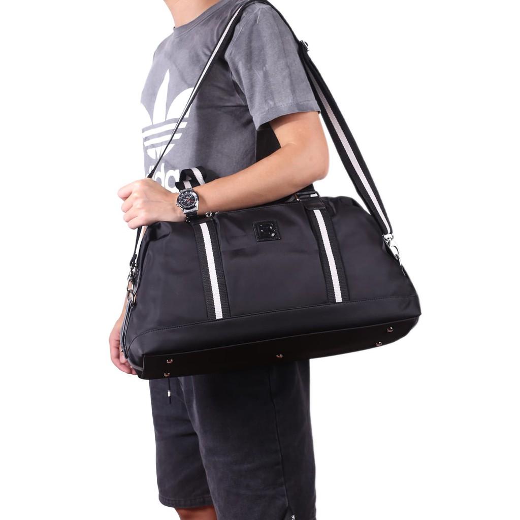 Túi đựng quần áo hiệu MESSENGER BLY P237