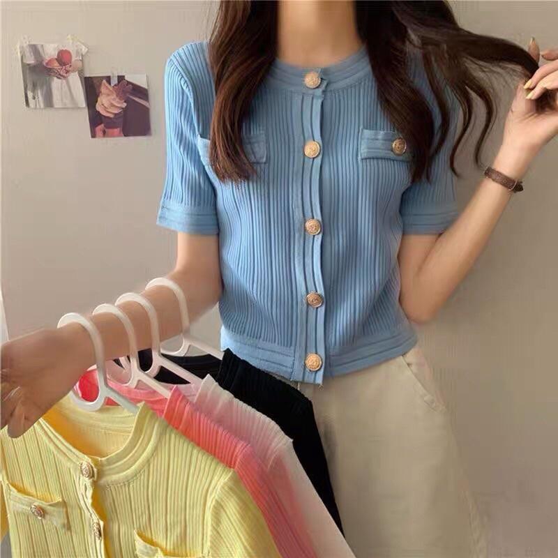 áo len dệt kim cổ tròn mix khuy vàng đồng  (A58-2#)