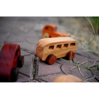 Xe bus đồ chơi bằng gỗ cho bé