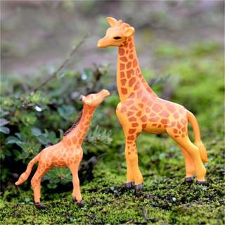 2pcs Mini Resin Giraffe Miniature Figure Dollhouse Garden Decor Micro Landscape