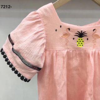 Váy bé gái hồng hạc tay bèo