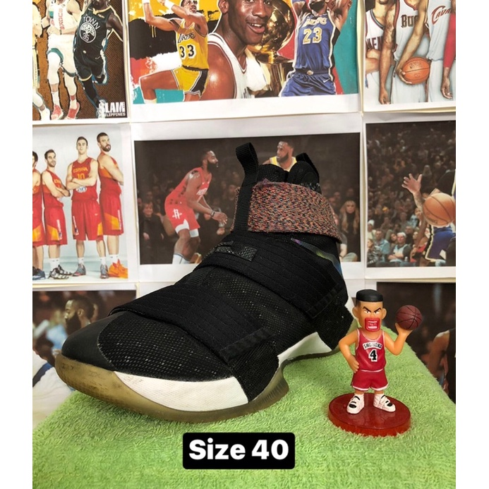 Giày bóng rổ Lebron Soldier 10