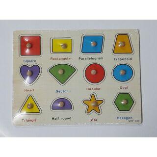 Bảng ghép hình có núm – chủ đề hình khối