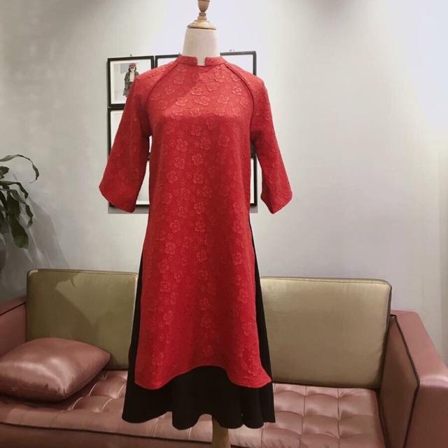 Áo dài gấm đỏ