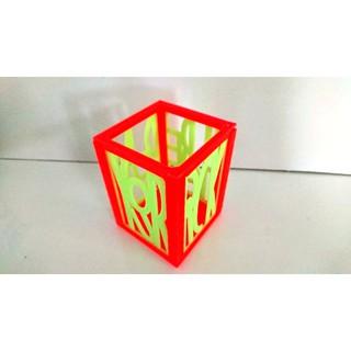 Hộp đựng bút để bàn 3D