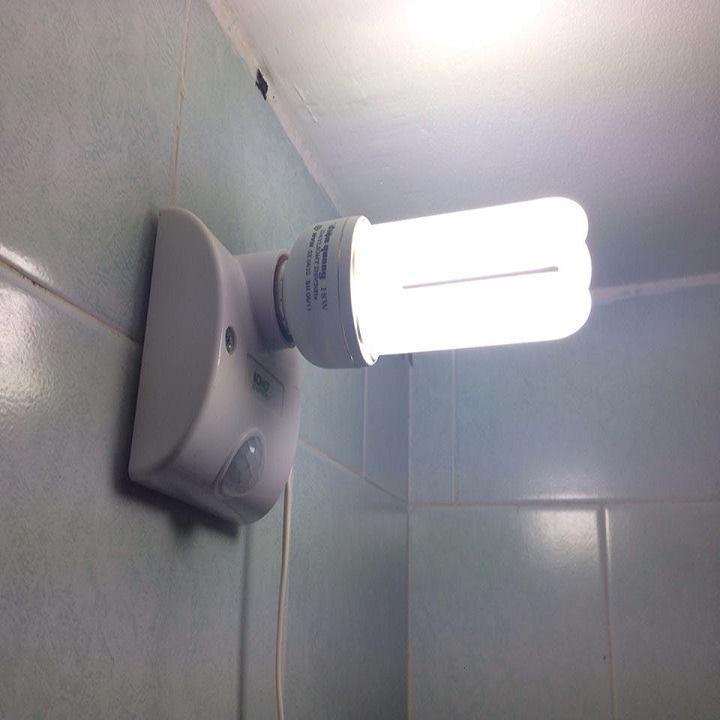 [Free Ship] Đuôi đèn cảm ứng hồng ngoại, tự động sáng khi có người chuyển động [ E27 ] Hot