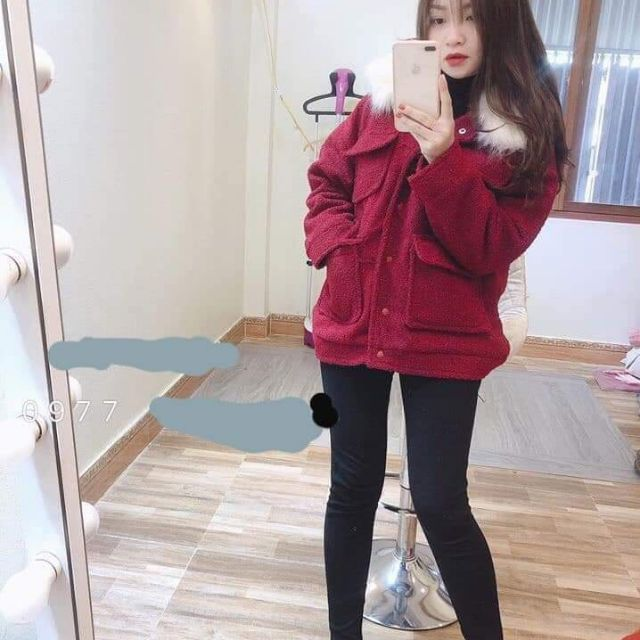 Áo khoác dạ cổ lông màu đỏ