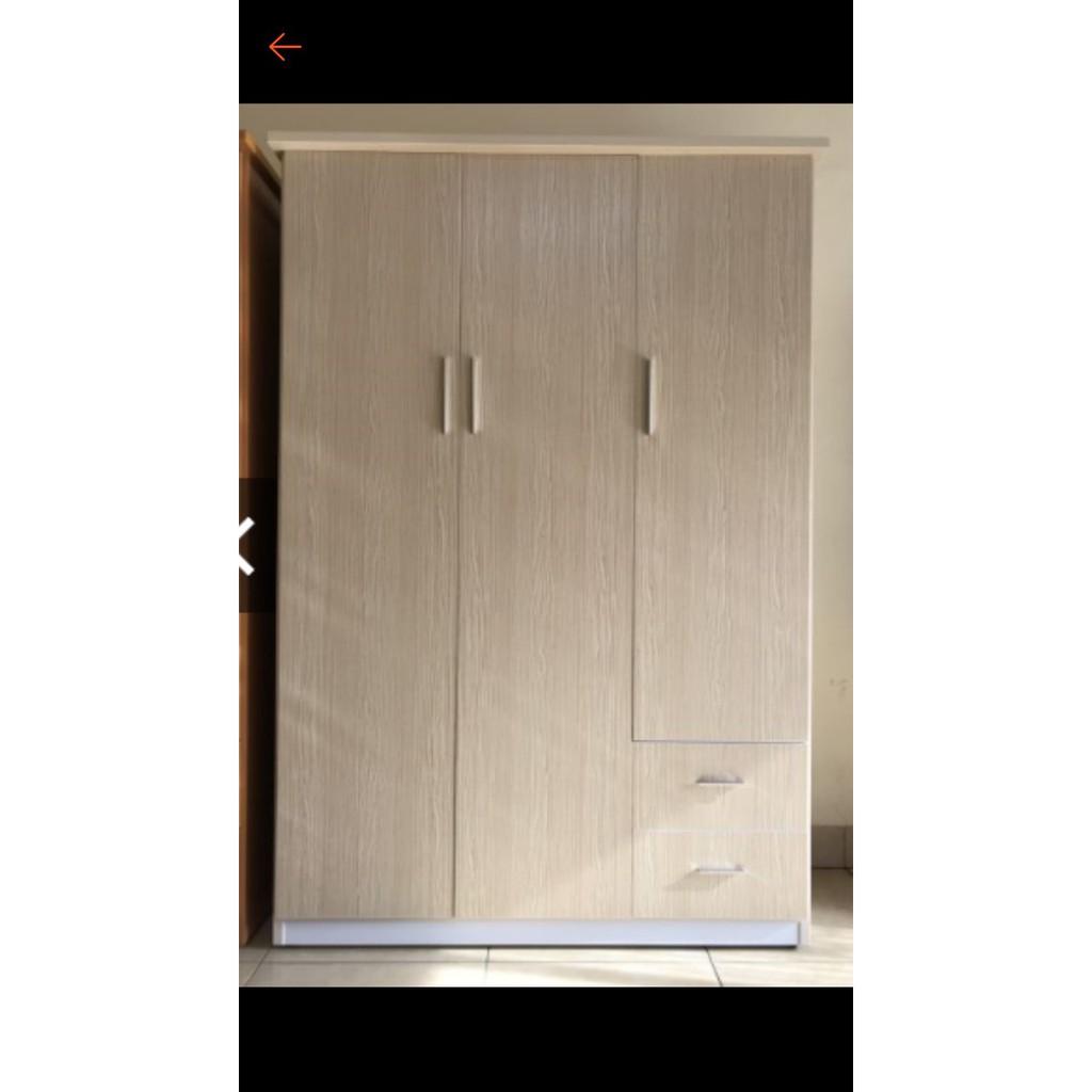 Tủ nhựa đài loan 3 cánh BN11. Cao 185*125*50.