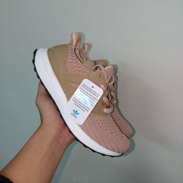 Giày thể thao sneaker utraboost hồng