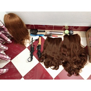 Thanh lý dụng cụ làm tóc chuyên nghiệp.