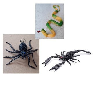 Bộ 3 đồ chơi con Rắn + Nhện + Bọ cạp bằng nhựa( giá rất rẻ