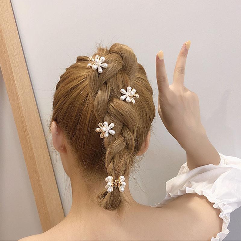 Kẹp tóc hình hoa cúc đính ngọc trai giả ngọt ngào dành cho nữ