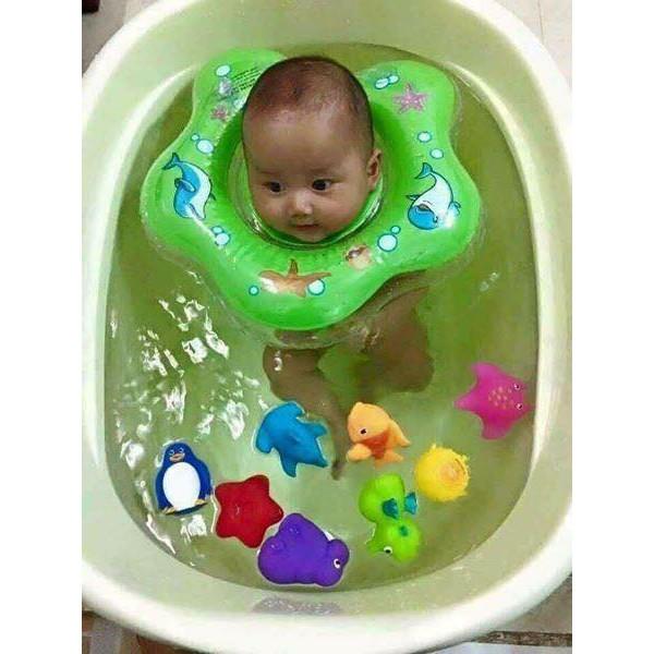 Phao bơi đỡ cổ cho bé yêu