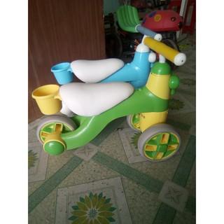 Xe chòi chân cho bé từ 1 đến tuổi