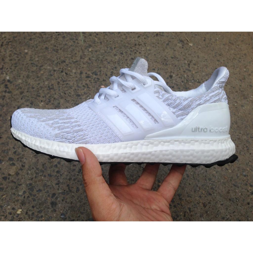 Combo 4 đôi giày Ultraboost xám trắng 38 x 4 - 2672522 , 833824732 , 322_833824732 , 980000 , Combo-4-doi-giay-Ultraboost-xam-trang-38-x-4-322_833824732 , shopee.vn , Combo 4 đôi giày Ultraboost xám trắng 38 x 4