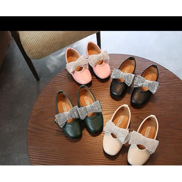 Giày búp bê cho bé gái đính nơ bản to thêm phần xinh xắn cho đôi giày