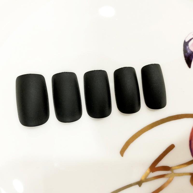 Bộ 24 móng tay giả đen nhám vuông dài (keo dán)