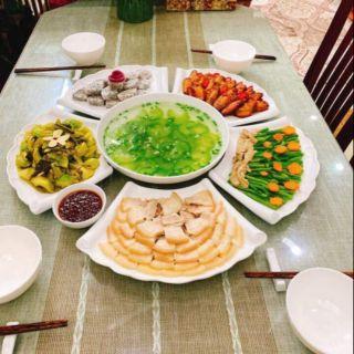 Set đĩa ăn hoa mặt trời trắng cuốn thư( hàng gốm sứ Bát Tràng cao cấp)