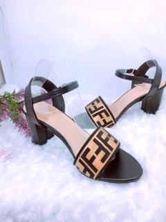 Giày cao gót 7 phân quai ngang