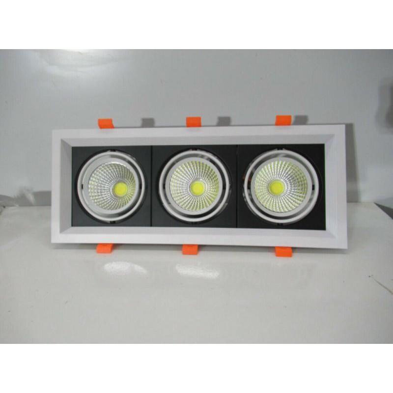 Đèn âm trần 3 bóng liền có a.s trắng , vàng(như hình)