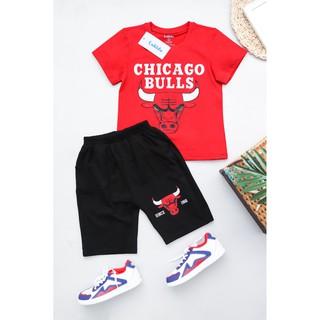 [Cotton cao cấp – Quần áo trẻ em] Đồ bộ ngắn bé trai CHICAGO BULLS màu đỏ đen size 13 – 43kg