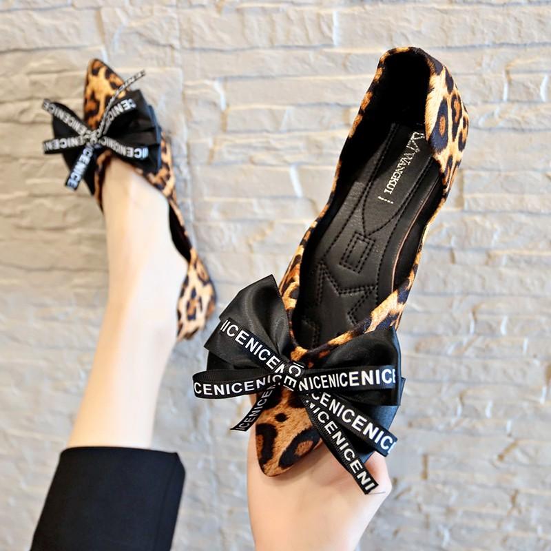 【จัดส่งฟรี】เท้าโบว์ใหม่ Peas ชี้สาวเกาหลีรองเท้าแบนตื้นปากสุทธิรองเท้าสีแดงน้ำป่า