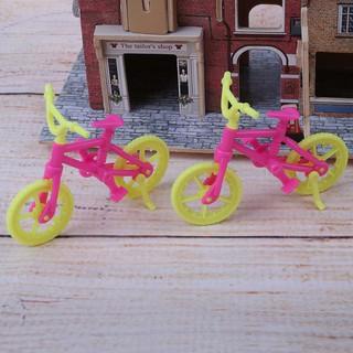 Set 2 xe đạp đồ chơi bằng nhựa xinh xắn dành cho các bé