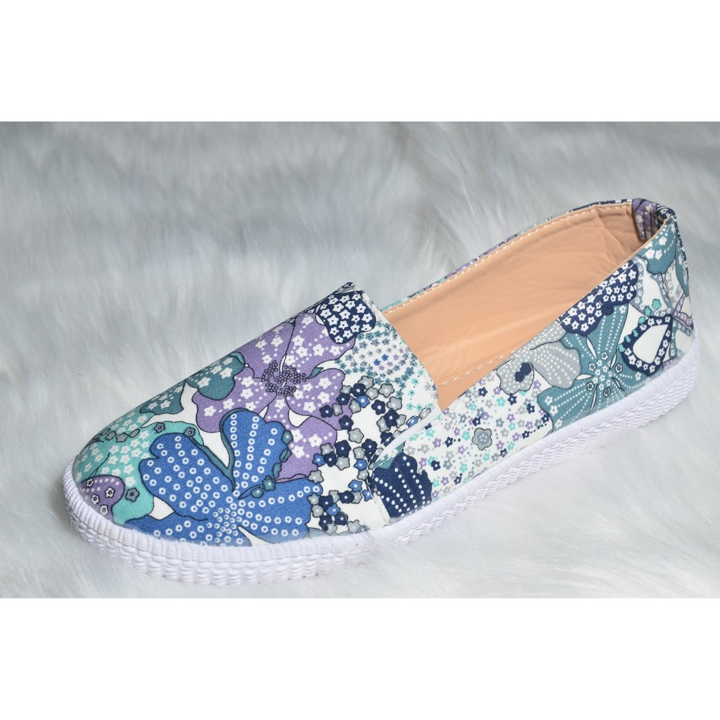 Giày lười hoa xanh mới